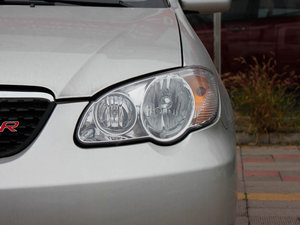 2011款1.5L 手动舒适版 头灯