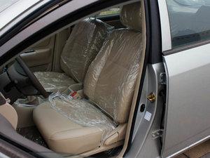 2011款1.5L 手动舒适版 前排座椅