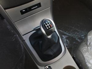2012款1.5L 手动豪华版 变速挡杆