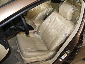2013款改款 1.5TI 手动尊贵版 前排座椅