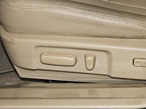 2013款改款 1.5TI 手动尊贵版 座椅调节