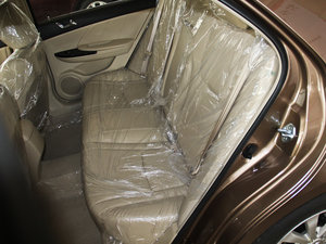 2013款改款 1.5TI 手动尊贵版 后排座椅