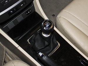 2013款改款 1.5TI 手动尊贵版 变速挡杆