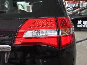 2013款2.4L 手动尊贵版 尾灯