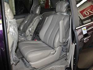 2013款2.4L 手动尊贵版 后排座椅