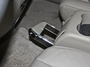 2013款2.4L 手动尊贵版 驻车制动器