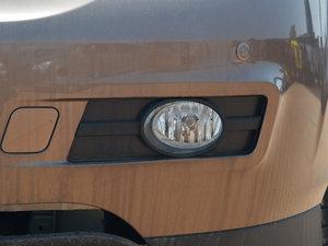2014款2.4L 自动尊贵版 雾灯