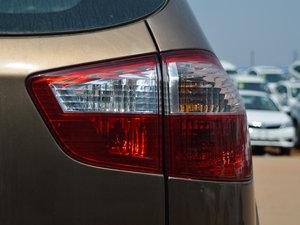 2014款2.4L 自动尊贵版 尾灯
