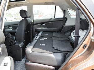 2014款2.4L 自动尊贵版 后排座椅放倒