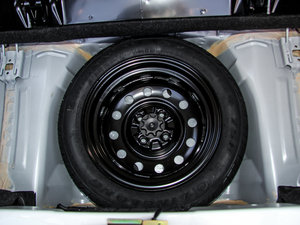 2015款1.0 手动铉酷型 备胎