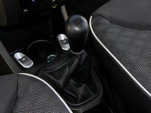 2015款1.0 手动铉酷型 变速挡杆