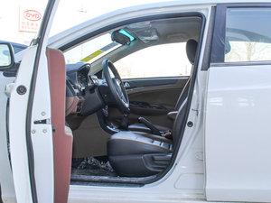 2015款改款 1.5L 手动舒适型 前排空间