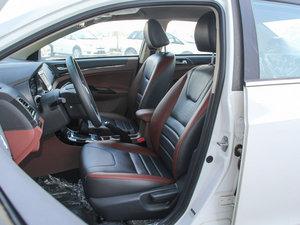 2015款改款 1.5L 手动舒适型 前排座椅
