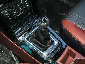 2015款改款 1.5L 手动舒适型 变速挡杆