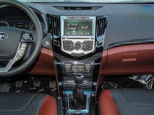 2015款改款 1.5L 手动舒适型 中控台