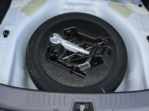 2015款改款 1.5L 手动舒适型 备胎