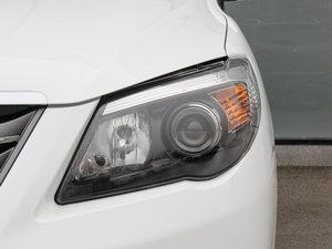 2015款节能版 1.5L 自动舒适型 头灯