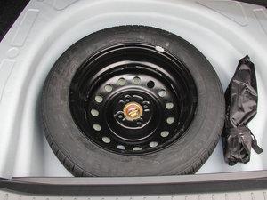 2015款节能版 1.5L 自动舒适型 备胎