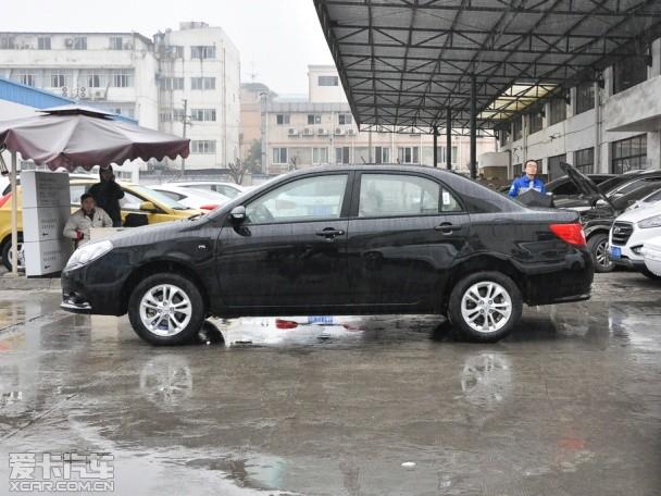 比亚迪汽车2015款比亚迪F3
