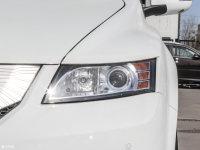 細節外觀比亞迪e6頭燈