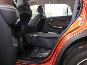 2017款EV300 尊贵型 后排空间