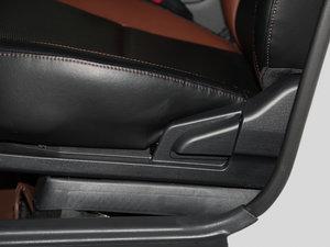 2016款1.5L 手动豪华型 座椅调节