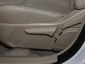 2017款300 尊贵型 座椅调节