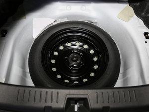 2017款300 尊贵型 备胎