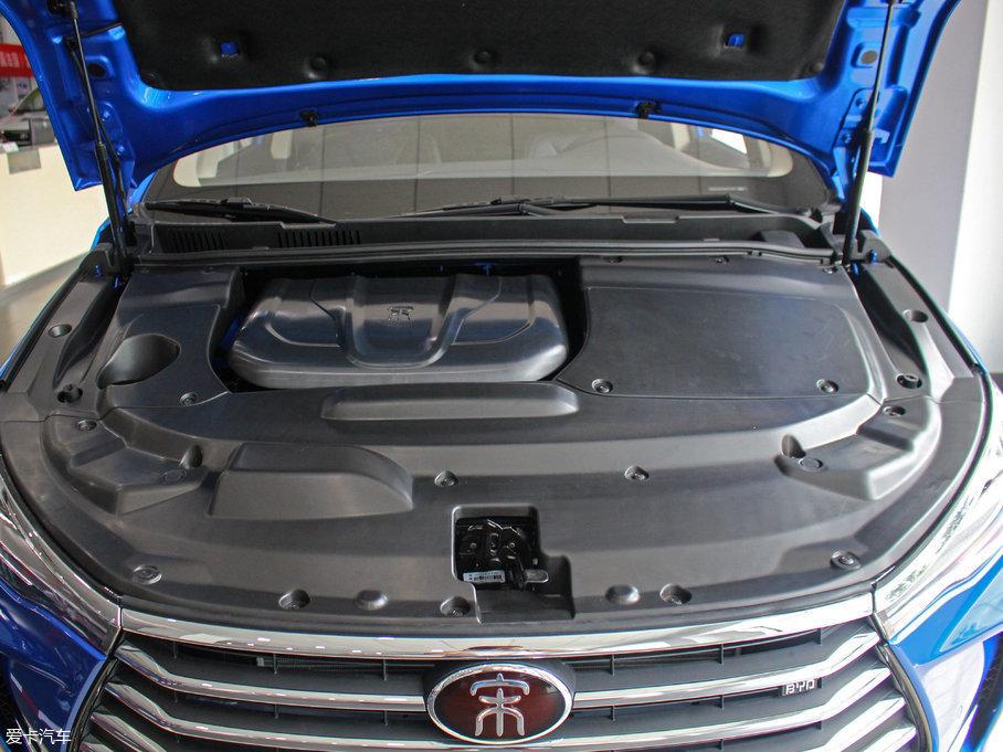 图为燃油版车型