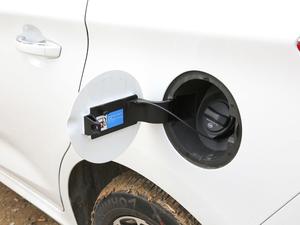 2017款1.5TI 自动智联尊贵型 油箱盖打开