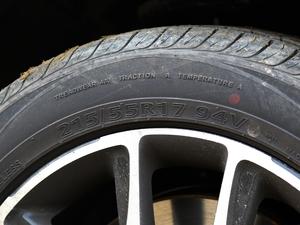 2017款1.5TI 自动智联尊贵型 轮胎尺寸