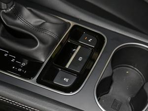 2017款1.5TI 自动智联精英型 7座 驻车制动器