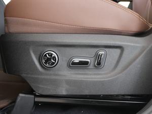 2017款2.0T 四驱豪雅型 座椅调节