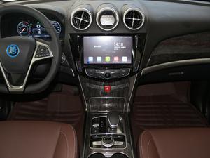 2017款2.0T 四驱豪雅型 中控台
