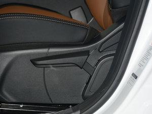 2017款1.5T 尊贵版 座椅调节