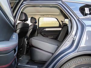 2018款DM 2.0T 四驱智联创世型 7座 后排座椅放倒