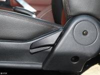 空间座椅骐铃T100座椅调节
