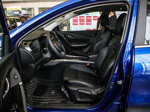 2019款SCe200 自动两驱智享型 国VI 前排空间