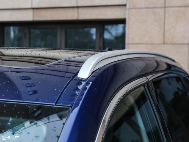东风雷诺科雷傲 2.0L 两驱 领先版及以上车型配备车顶行李架.-东风雷高清图片