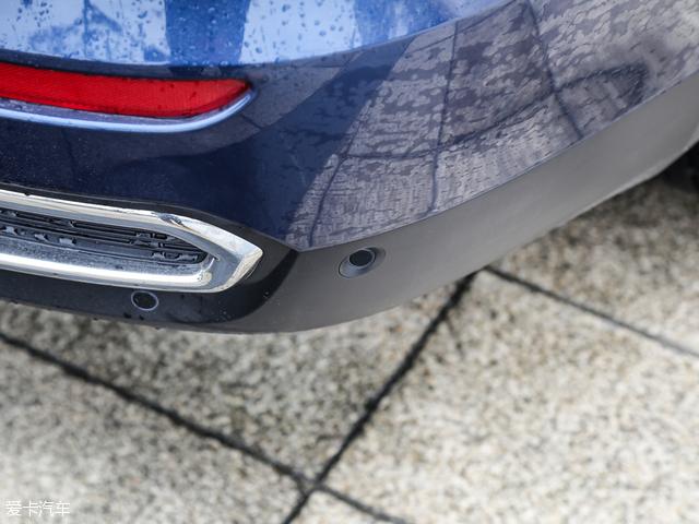 东风雷诺科雷傲 2.0L 两驱 领先版及以上车型配备倒车雷达.-东风雷诺高清图片