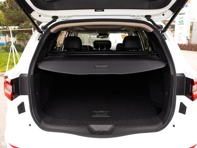 东风雷诺科雷傲:在标准状态下,行李厢容积-推荐车型 科雷傲高清图片