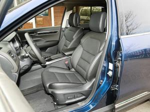 2018款2.5L 四驱旗舰版 前排座椅