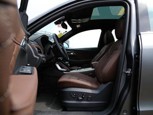2018款28TGDI TS 四驱豪华型 前排空间