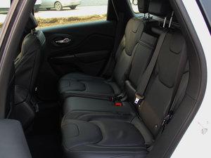 2016款2.4L 优越版 后排座椅