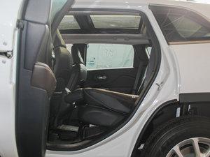 2016款2.4L 专业版 后排座椅放倒