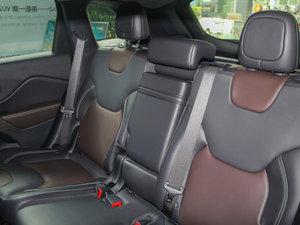 2016款2.4L 专业版 后排座椅