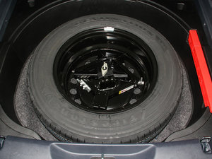 2016款2.4L 专业版 备胎