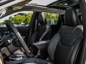 2016款2.0L 优越版 前排座椅