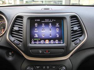 2016款2.4L 75周年致敬版 中控台显示屏