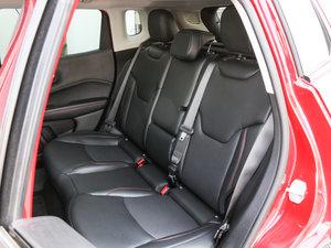 2017款200TS 高性能四驱版 后排座椅